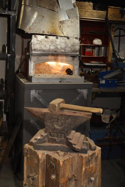 Uměleckým kovářem na zkoušku vyhen2