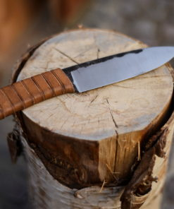 Knives, daggers, swords, axes